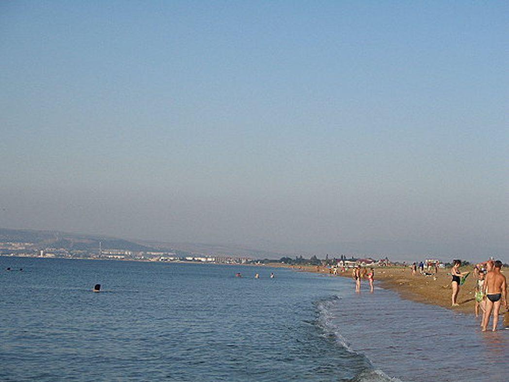 Песчаный пляж в Приморском